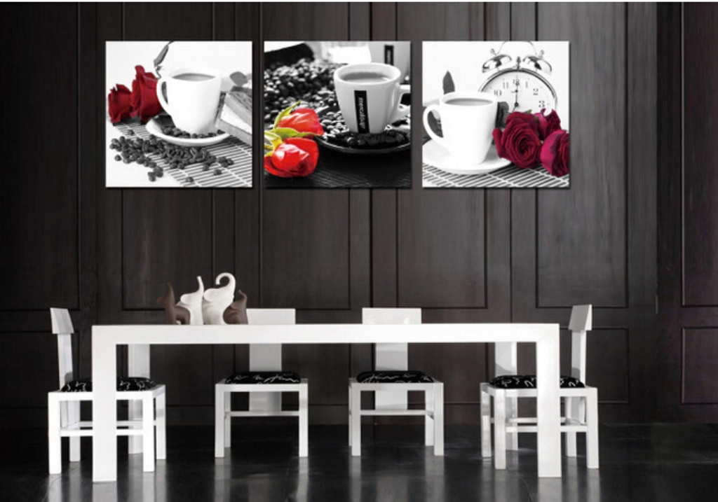Picture of: Modern Kitchen Wall Décor Idea