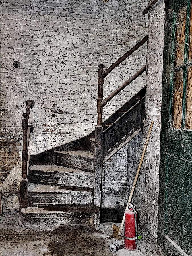 Image of: Old Paint for Basement Stairs