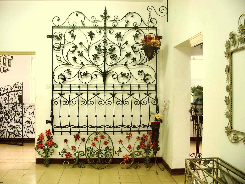 Outdoor Iron Wall Decor For Fashionable Accessories Home