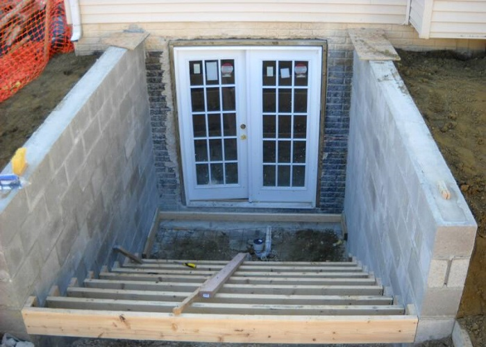 Image of: Outside Basement Entrance Door