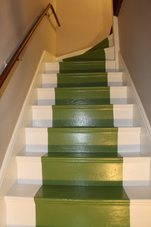 Image of: Paint Color for Basement Stairs