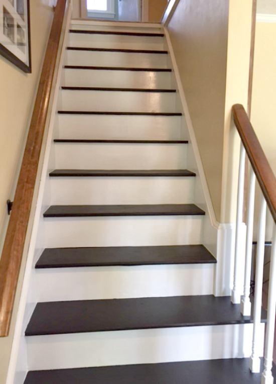 Image of: Paint for Basement Stairs with Carpet