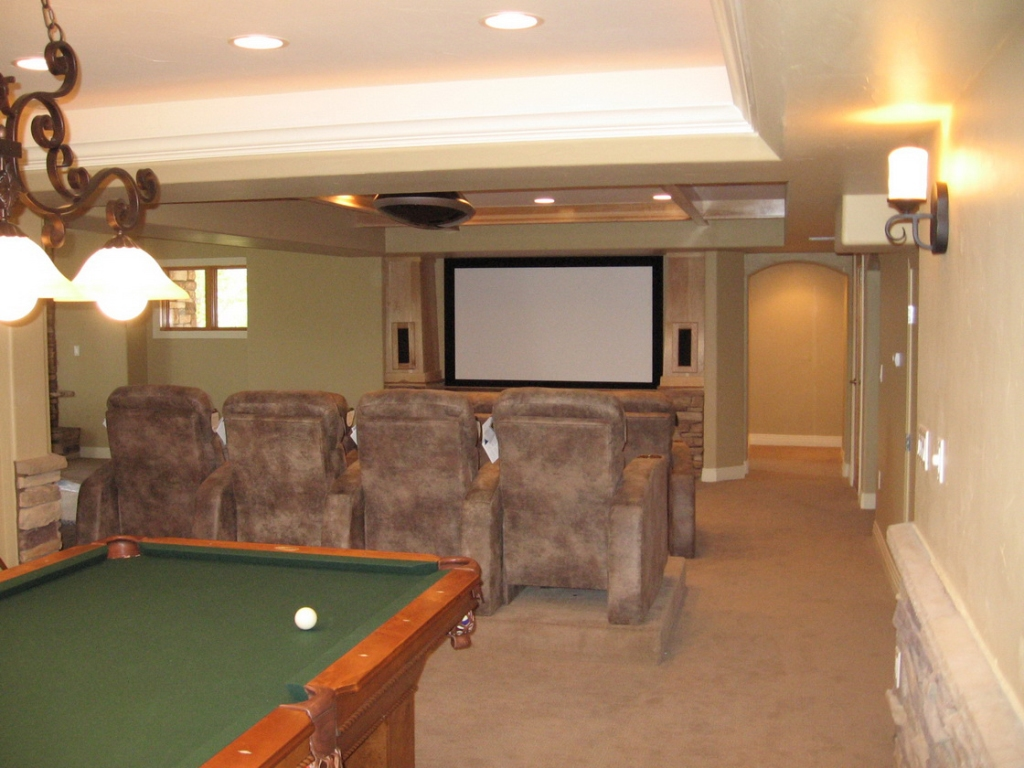 Image of: Remodeling Basement Ideas Walls