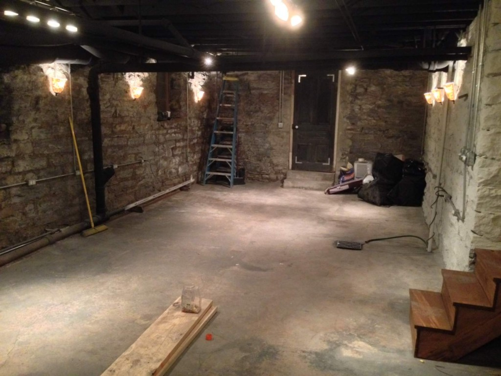 Image of: Simple Ideas For Unfinished Basement Lighting