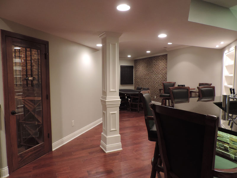 Image of: Small Basement Remodel Decor