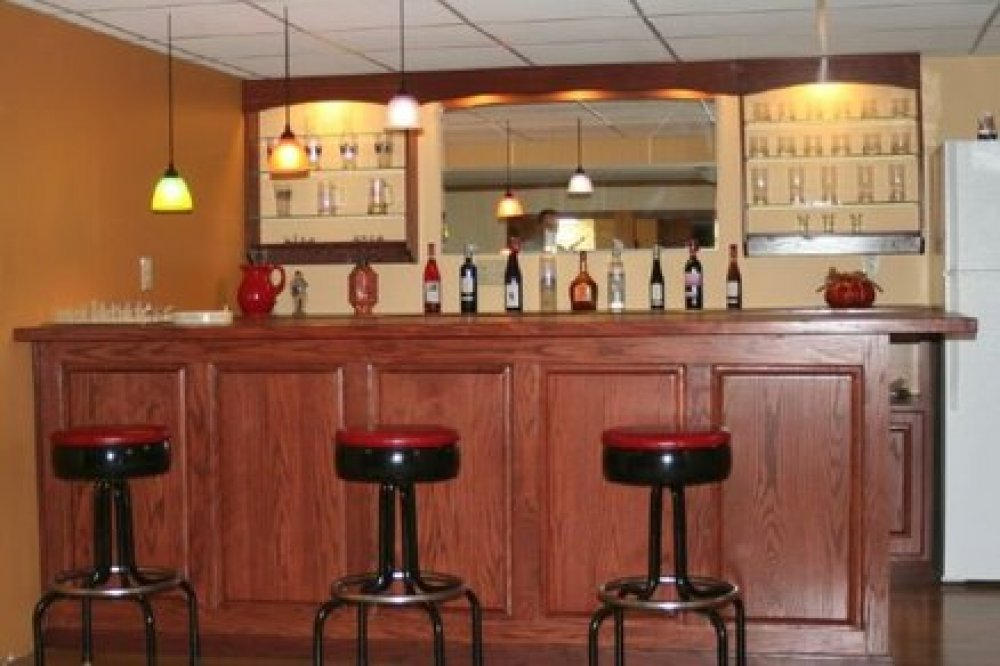 Picture of: Wet Bar Ideas For Basement Ideas