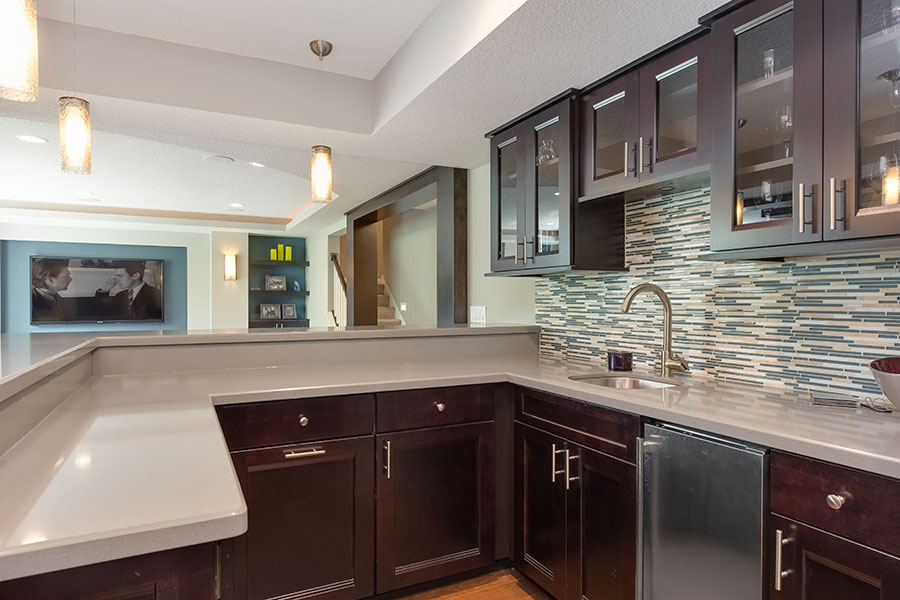 Picture of: Wet Bar Ideas For Basement Popular