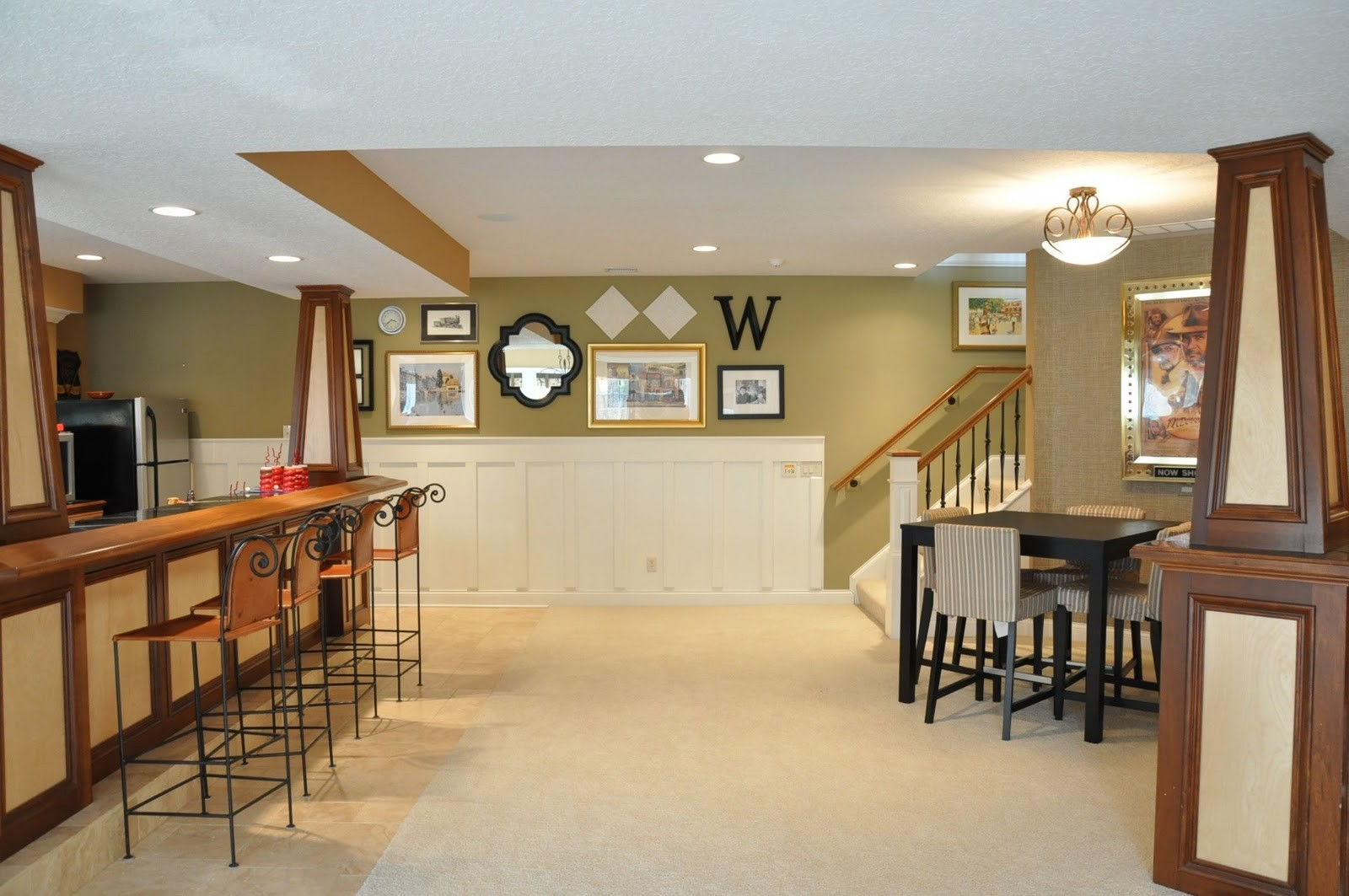 Picture of: Beautiful Paint Colors for Basement