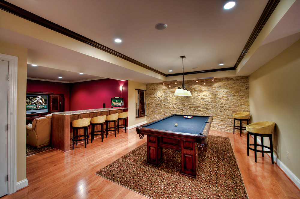 Picture of: Cool Unfinished Basement Lighting Ideas