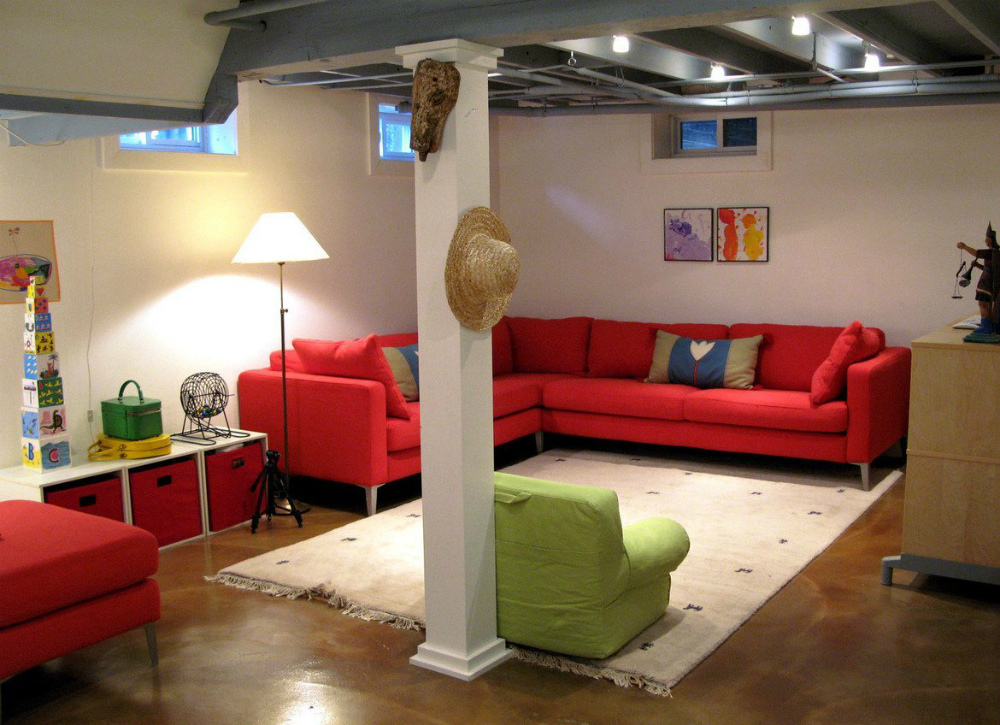 Picture of: Cozy Unfinished Basement Lighting Ideas