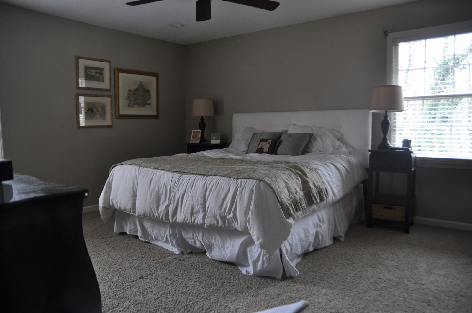 Picture of: Decorating A Basement Bedroom Ideas