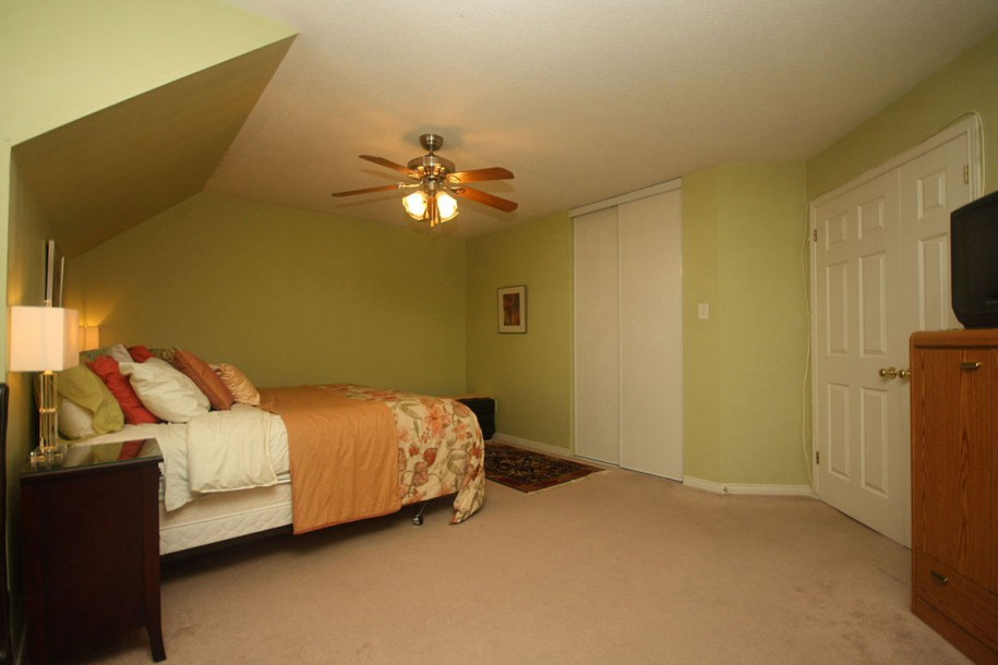 Picture of: Decorating A Basement Bedroom Simple
