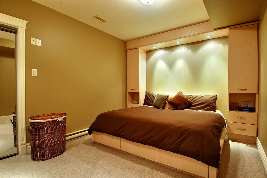 Picture of: Decorating A Basement Bedroom Themed