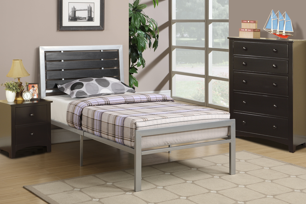 Image of: Full Size Mattress Frame Ideas