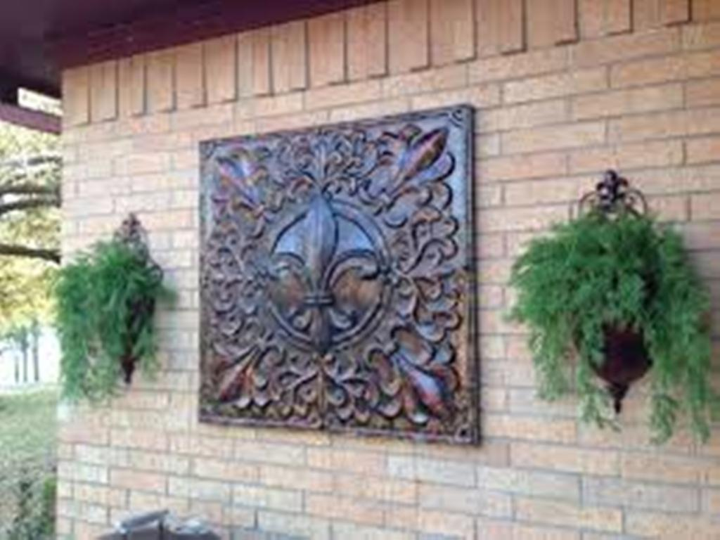 Picture of: Outdoor Metal Wall Decor Bathroom