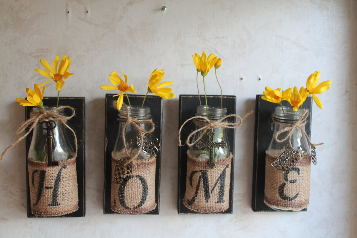Image of: Perfect DIY Rustic Wall Decor