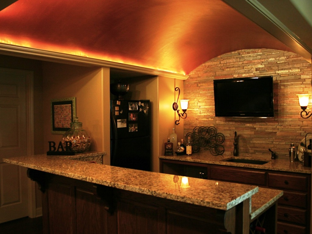 Picture of: Rustic Basement Bar Ceiling