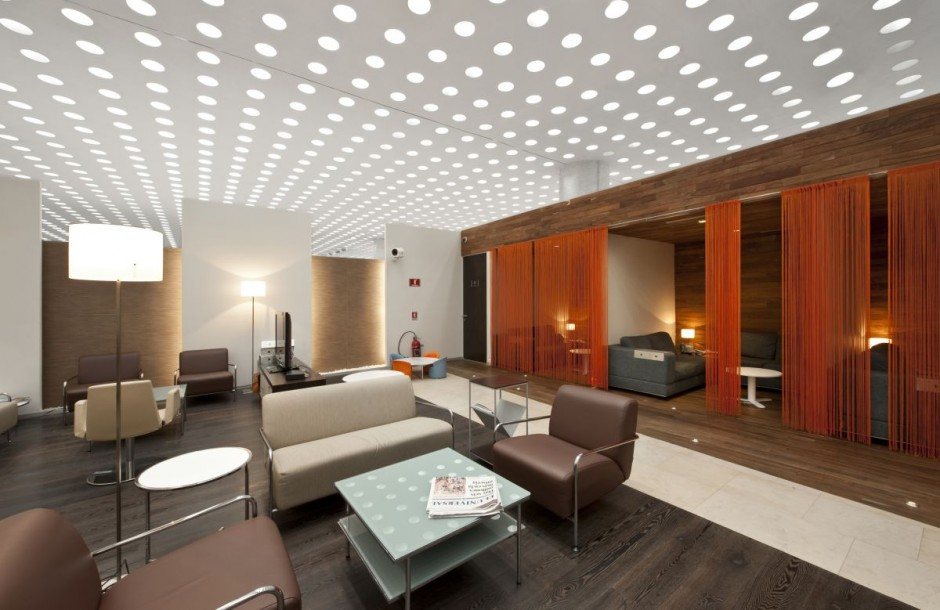 Picture of: Unfinished Basement Lighting Ideas At Family Room