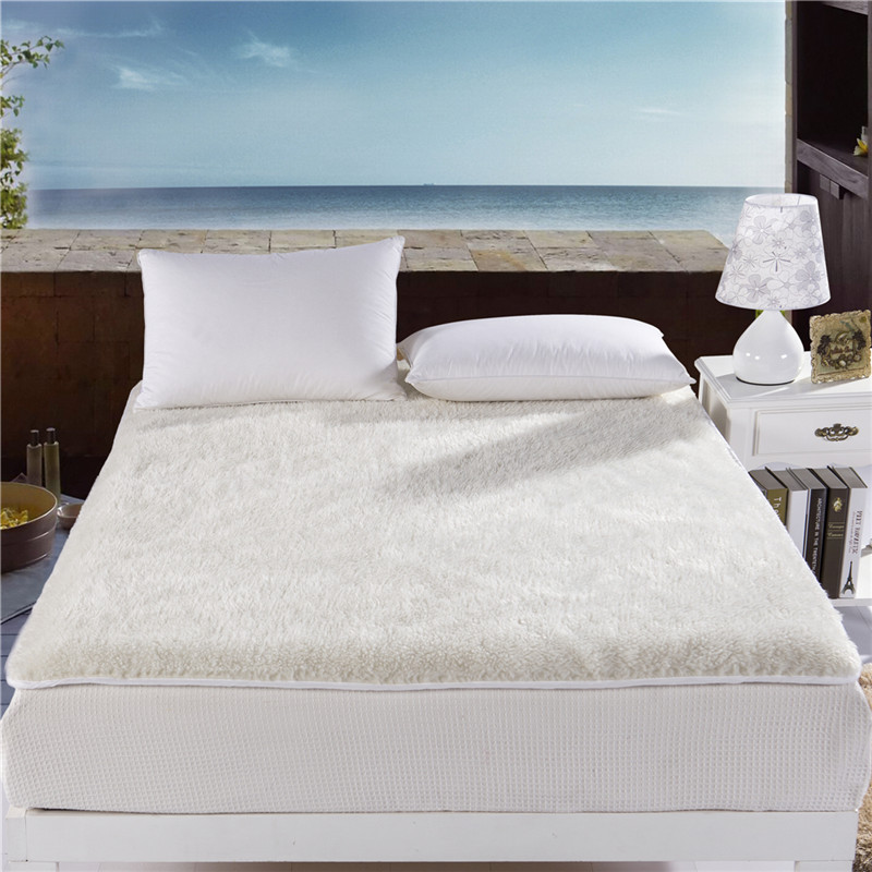 Image of: White King Size Mattress Pad